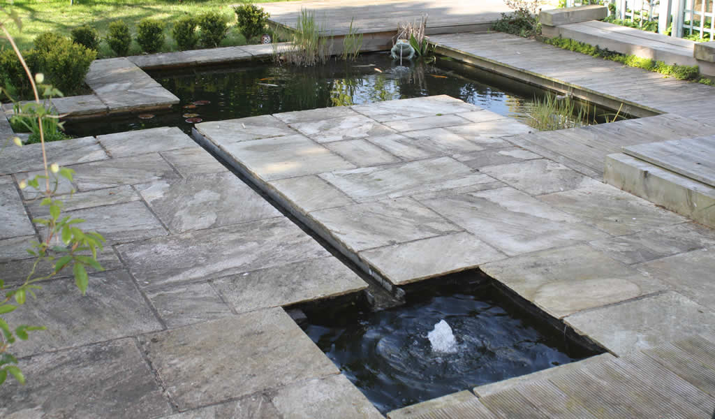 Garden water rills garden ftempo for Garden pool west allis