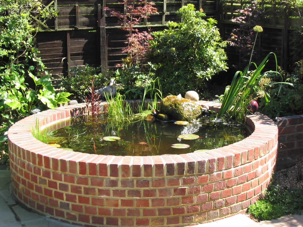 Garden ponds for Garden pond water features